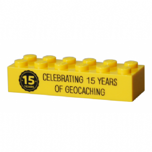 15 (Fifteen) Years of Geocaching Official Trackable Lego Brick - Yellow